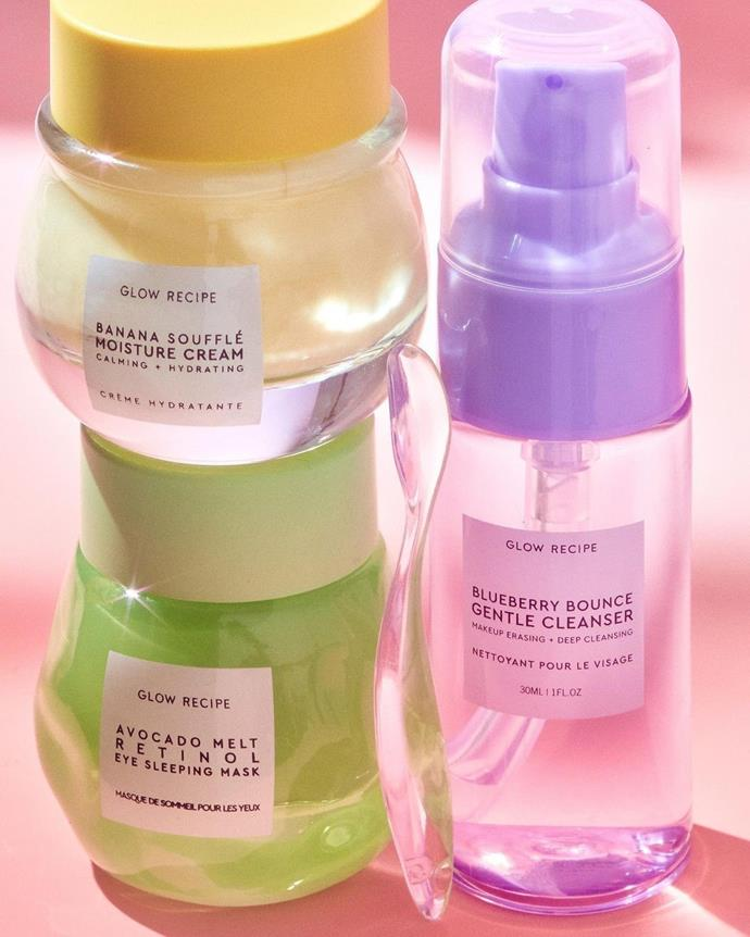 """**For One Who Loves A Good Shelfie**<br><br>  [K-Beauty](https://www.elle.com.au/beauty/best-korean-serums-22881 target=""""_blank"""") has never looked so cute! While the products are certainly effective and feel divine on the skin (especially that soufflé scream... delicious), there's something about Glow Recipe's gorgeous scents and playful pastel packaging that gets us every time—making this special limited edition set a dream for flat-lay fans everywhere.<br><br>  *Glowing Skin Trio by Glow Recipe, $67 at [MECCA](https://fave.co/3lp1tNZ target=""""_blank"""" rel=""""nofollow"""")*"""