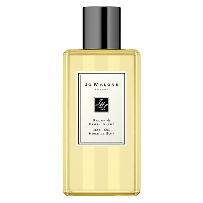 """**For The One Who's Big On Baths**<br><br>  While candles and bath bombs are excellent companions when it comes to time in the tub, there's nothing quite like a touch of luxury to level up a Sunday soak. Enter: Jo Malone's peony and blush suede bath oil. Like bathing inside a heavenly bouquet, the luscious scent unfurls with notes of jasmine, rose, red apple, gillyflower and soft, blush suede.<br><Br>  *Peony & Blush Suede Bath Oil 250ml by Jo Malone, $90 at [Jo Malone](https://fave.co/37lzhXw target=""""_blank"""" rel=""""nofollow"""")*"""