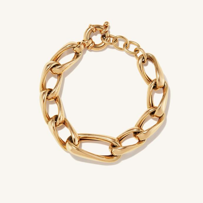 """**The Chunky Chain Bracelet**<br><br>  'Le Chain Bracelet' made from18k solid gold-coated sterling silver by Mejuri, $410 at [Mejuri](https://fave.co/3gqlAuw