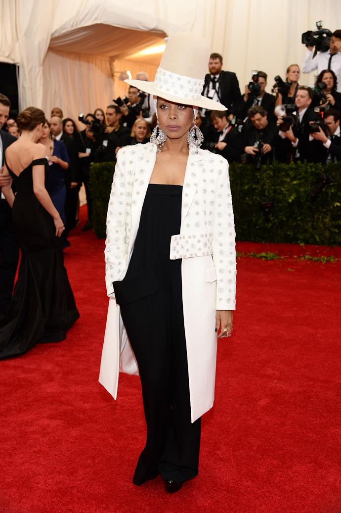 "***Erykah Badu***<br><br>  Known for her larger-than-life and out-of-the-box styling, Badu has spoken out multiple times about not using a stylist to dress herself for a red carpet. <br><br>  ""I make no distinction between what I wear on the street and the stage; it's all just my style,"" Badu told *Vogue*. ""I don't work with a stylist, and I never plan what I'm going to wear, it's always an of-the-moment thing."""