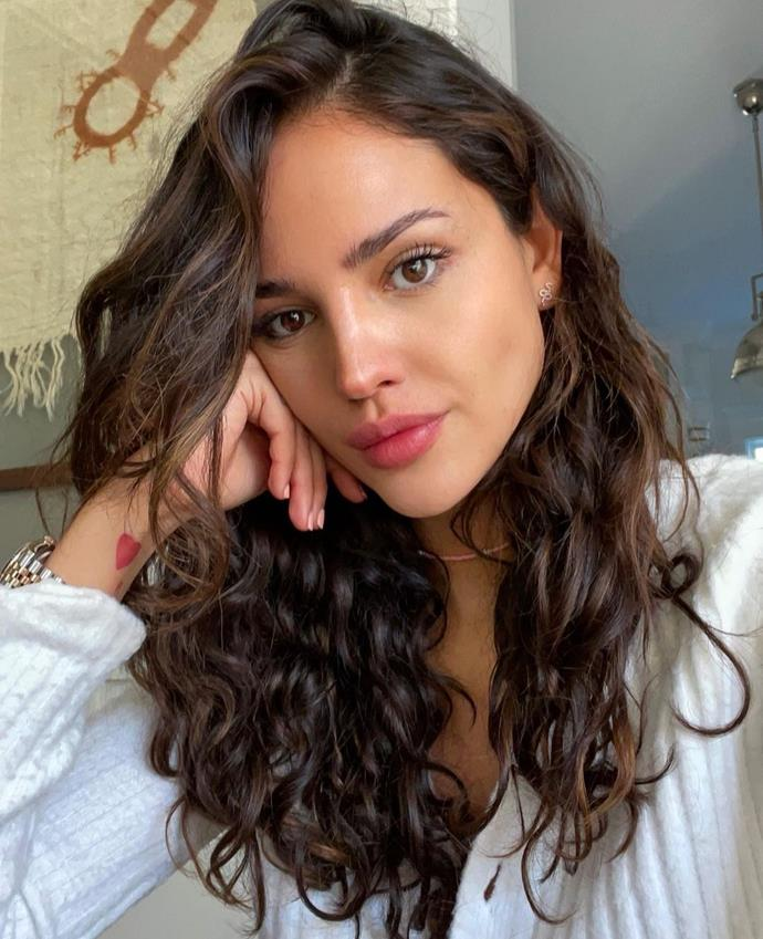"""**UNDERLIT BRUNETTE**<br><br>  **Rachel Vitullo, Educator for [ELEVEN Australia](https://elevenaustralia.com/