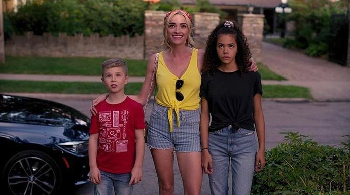 Brianne Howy (centre) and Antonia Gentry (right) play the show's daughter and mother, respectively. *Netflix*.