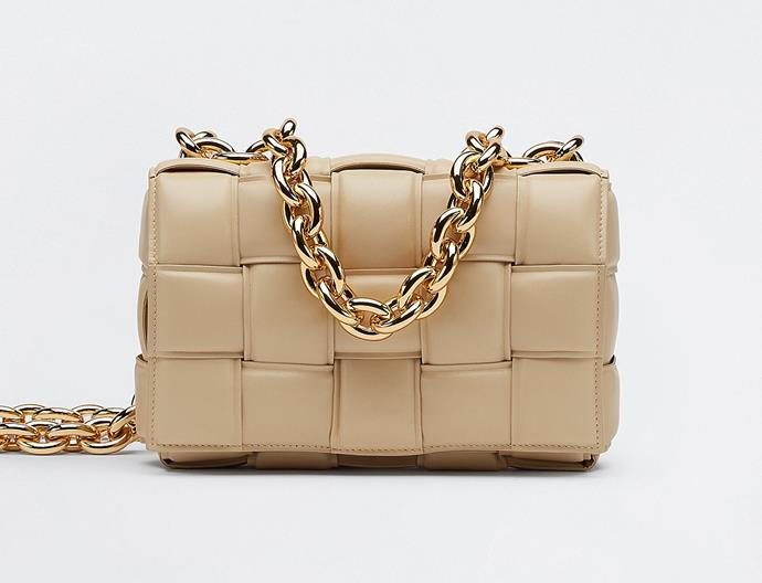 """**The Chain Cassette by Bottega Veneta, available in various colours, $5,300 at [Bottega Veneta](https://www.bottegaveneta.com/au/shoulder-bag_cod45530862gr.html