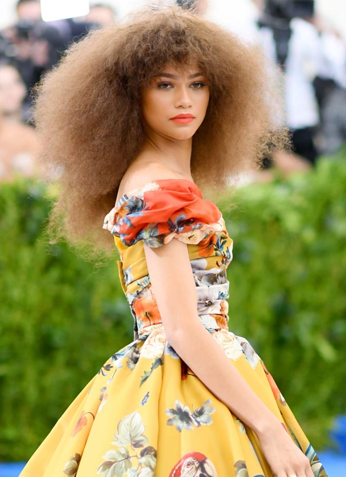 """**Zendaya claps back about question that is not gender inclusive** <br><br> In an interview with [*Vanity Fair*](https://www.youtube.com/watch?v=sxw-ZvRKI8A&feature=emb_title