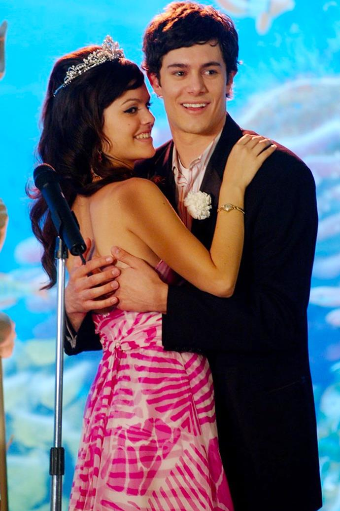 **The O.Sea Prom Dress** <br><br> Sporting a sheer pink maxi dress and a tiara, Summer's abstract palm-printed number is one of her more underrated looks. And while her outfit may not be considered 'chic' nowadays, her ode to Bohemian dressing scored her Seth's love and the title of Prom Queen.