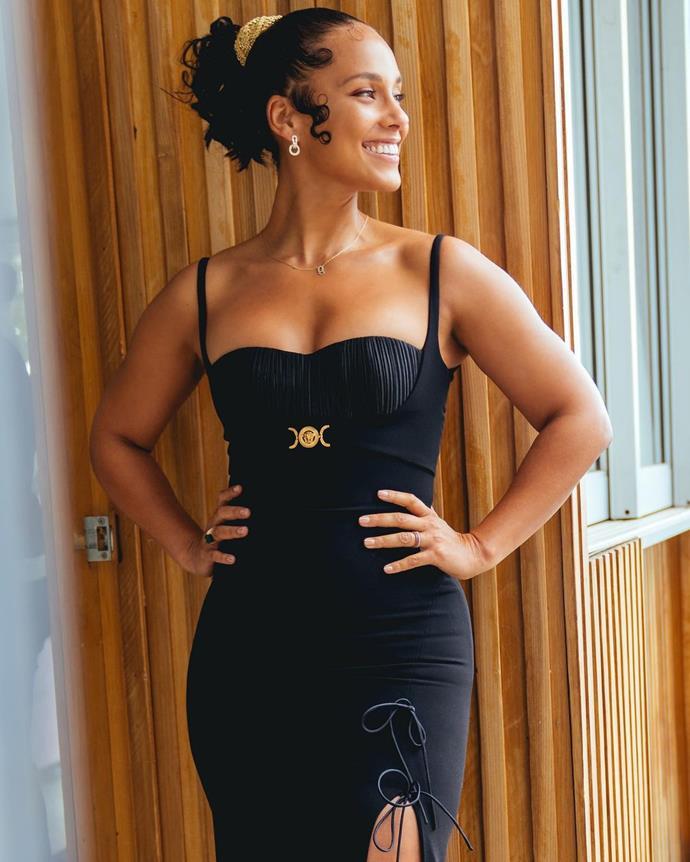 Alicia Keys in Versace. Image via Jason Bolden.