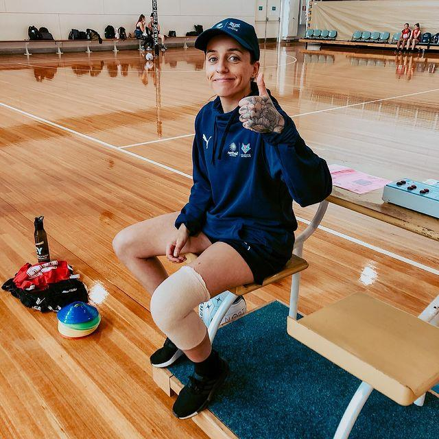 """**Jess Trend** <br><br> *Instagram: [@jessstrend](https://www.instagram.com/jessstrend/ target=""""_blank"""" rel=""""nofollow"""")* <br><br> A 29-year-old footballer for Fremantle's AFLW, Jess Trend is equal parts competitive and bubbly. Also working as a PE teacher, she survived a two-year setback due to a ruptured ACL before reaching her dreams of being drafted in 2018. She believes her patience and bubbly nature will make her strong connections in the house, although she is mindful that her competitive spirit may be viewed as a threat."""