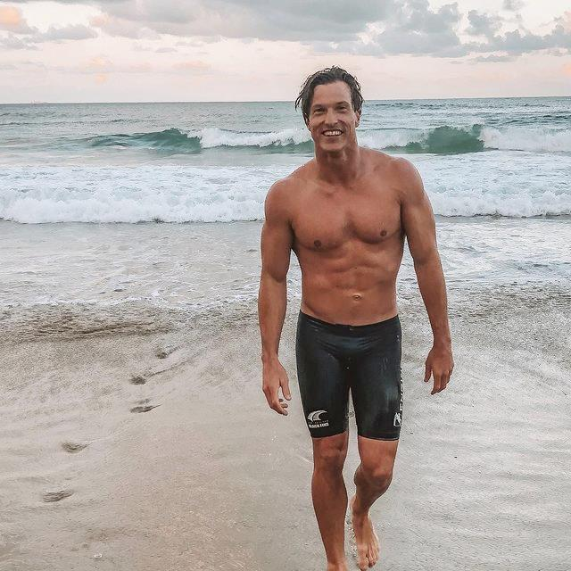 """**Max Beattie** <br><br> *Instagram: [@max_beattie](https://www.instagram.com/max_beattie/ target=""""_blank"""" rel=""""nofollow"""")* <br><br> A 29-year-old Ironman Max winner from the Gold Coast, Max is an elite athlete, who also works in events and marketing. With a New Zealand background, he has been a competing athlete since 2015, won the 2016 World Life Saving Champion and is a four-time New Zealand Ironman Champion. Friendly yet competitive, Max is confident he'll nail every challenge in the house, however, he can't stand people who are selfish or rude."""