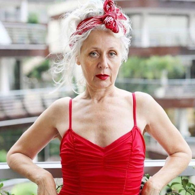 """**Sarah Jane Adams** <br><br> *Instagram: [@saramaijewels](https://www.instagram.com/saramaijewels/ target=""""_blank"""" rel=""""nofollow"""")* <br><br> A 66-year-old antique jewellery dealer from Sydney, Sarah Jane is an entrepreneur, author and style icon. Hailing from London, Sarah Jane started out selling jewellery on the street before turning it into an international business. The married mother-of-two is fiercely independent  who turned an Instagram photo of her in a red Adidas tracksuit into a career as an influencer. In the house, SJ wants to prove that anyone can take themselves out of their comfort zone at any age."""