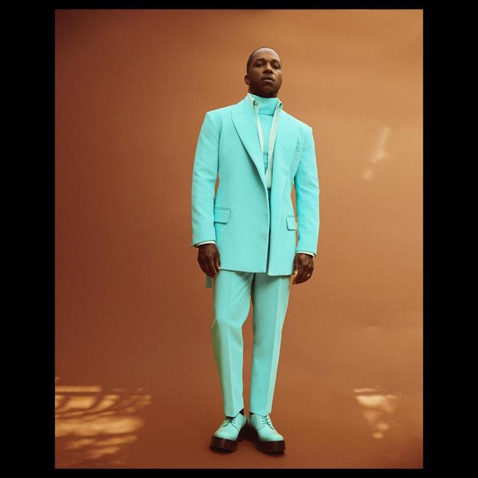 Leslie Odom, Jr. in a matching turquoise suit from Valentino.