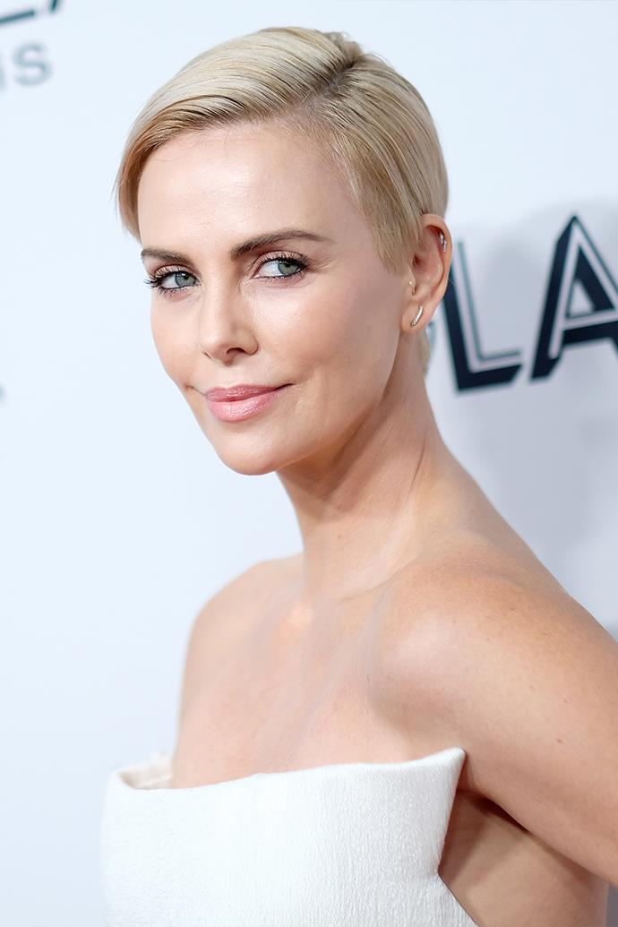 "**Charlize Theron**<br><br>  Charlize Theron has openly chatted about her weed use, revealing to *[E!](https://www.youtube.com/watch?v=Oj7D_9Ku0k4&t=15s&ab_channel=E%21RedCarpet%26AwardShows|target=""_blank""