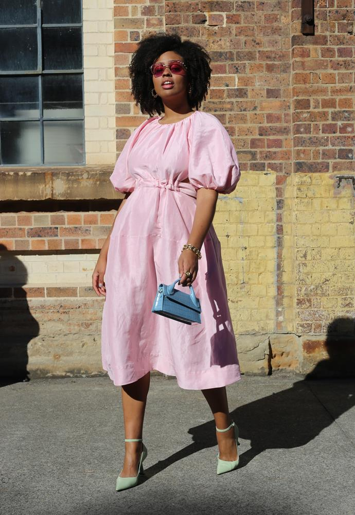 """[Aicha Robertson](https://www.instagram.com/thefashionheist/