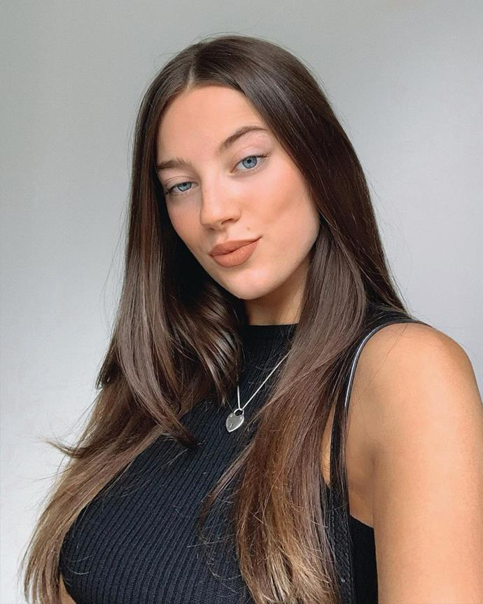 """*Beauty:* **Jessica Taylah** <br><br> A 23-year-old journalism student from South Australia, Jess boasts an ability to recite 30 elements of the periodic tables by memory, which may make her the apple of the geeks eyes. <br><br> *Instagram: [@jessicataylah](https://www.instagram.com/jessicataylah/ target=""""_blank"""" rel=""""nofollow"""")*"""