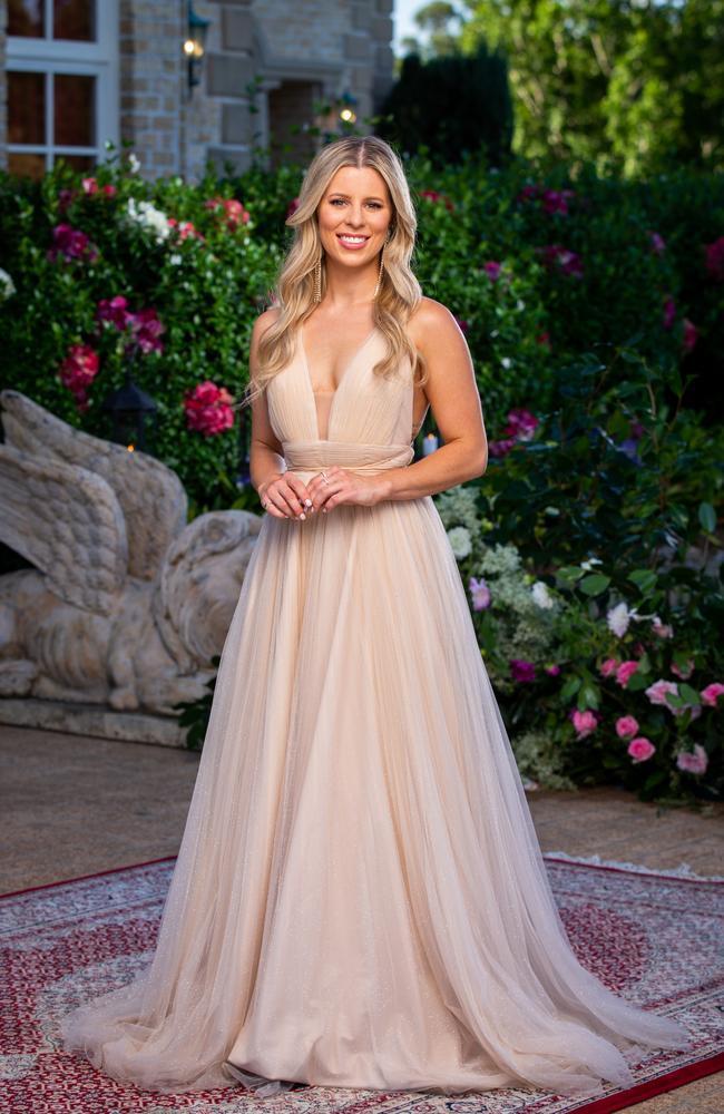 """Ashleigh wears a dress from [J'adore](https://www.jadore.com.au/ target=""""_blank"""" rel=""""nofollow"""")."""
