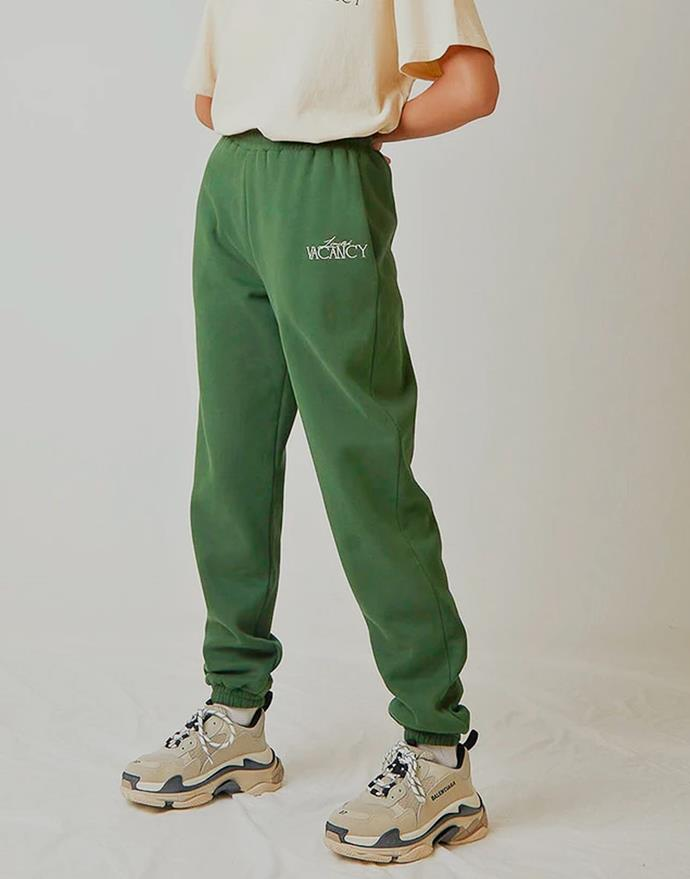 """Boulevard Sweatpants in Forest Green by Vacancy, $99 at [PepperMayo](https://fave.co/3rGjpbX target=""""_blank"""" rel=""""nofollow"""")."""