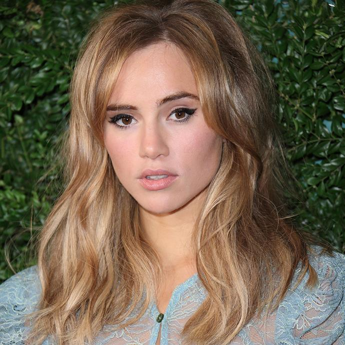 """**Suki Waterhouse** <br><br> In an interview with [*Harper's BAZAAR* U.K.](https://www.harpersbazaar.com/uk/beauty/a43887/suki-waterhouse-beauty-make-up-tips/