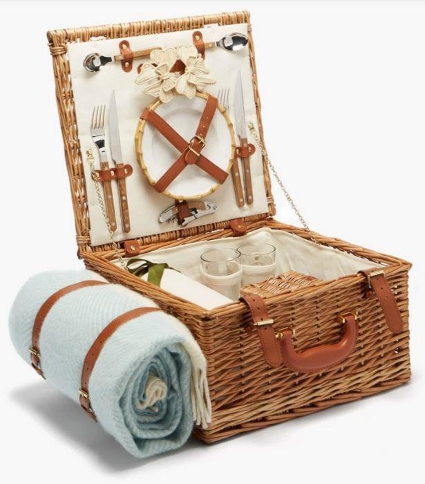 "Mrs. Alice Wool blanket and wicker picnic basket set, $830 from [Matches Fashion](https://www.matchesfashion.com/au/products/1431244?country=AUS&rffrid=sem.Google.n=u.cid=13186136314.aid=123868758698.k=.mty=.d=c.adp=.cr=523056368868.tid=pla-293946777986.pid=1431244000001.ppid=293946777986.lpm=9071781.adty=.prl=en&utm_content=1431244000001&utm_term=293946777986.[value].&gclid=Cj0KCQjw1ouKBhC5ARIsAHXNMI9jFSoOQUJ89yxNdR4GMCHb3u5I9d2ZAKH2fkmdWjCnT5WSjh8hpsIaAudHEALw_wcB&gclsrc=aw.ds target=""_blank"")"