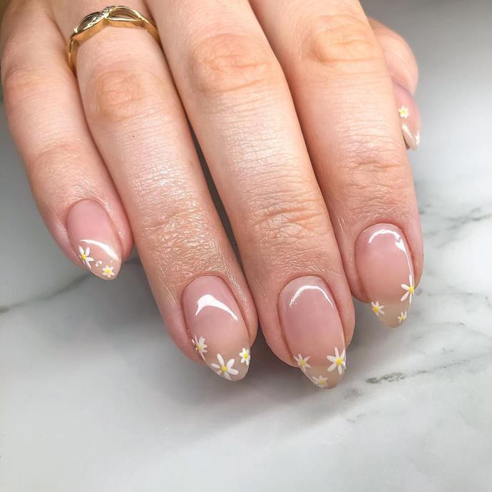 "*[@nails.by.jenna_](https://www.instagram.com/p/CGO61HsDfHr/|target=""_blank""|rel=""nofollow"")*"
