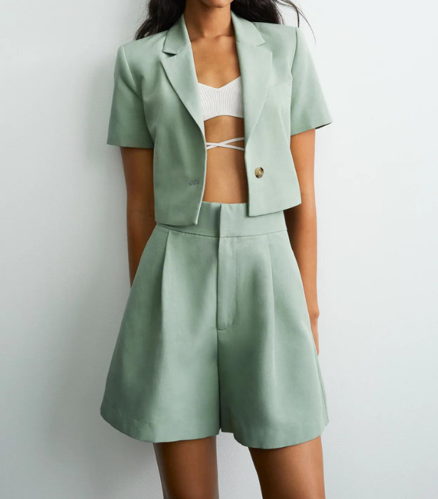 "**Linen Blend Cropped Blazer, $69.95 from [Zara](https://www.zara.com/au/en/linen-blend-cropped-blazer-p02010713.html?v1=109028616&v2=1877829|target=""_blank"")** <br> **Bermuda Shorts With Linen, $55.95 from [Zara](https://www.zara.com/au/en/bermuda-shorts-with-linen-p07385188.html?v1=109029238&v2=1877829|target=""_blank"")**"