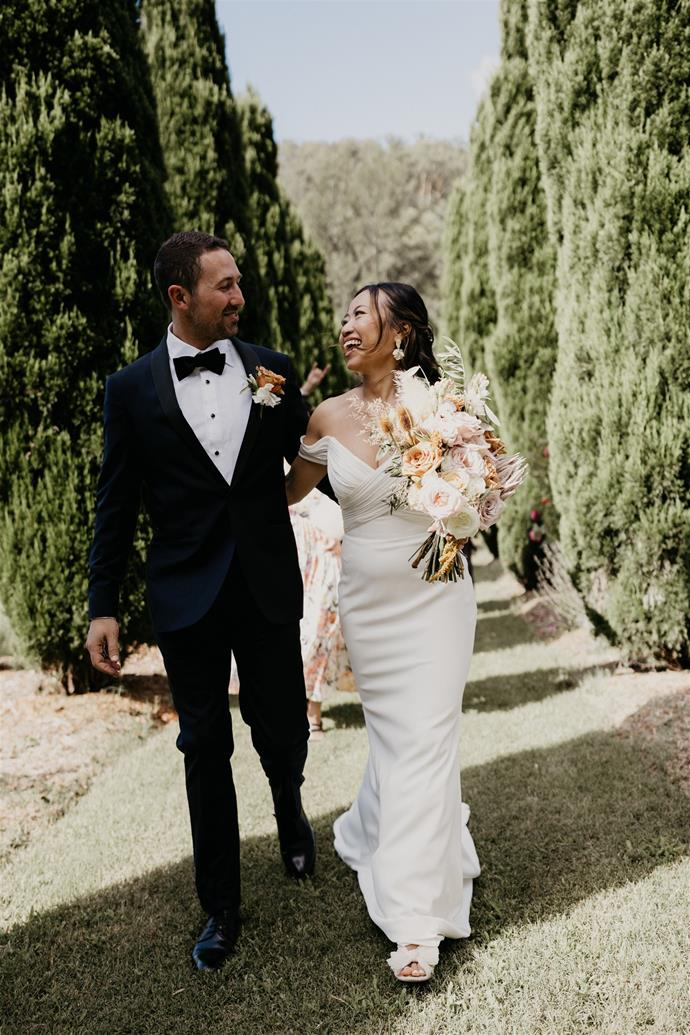 """""""Our family was super excited and helped set up a lot on the day. For Scott and I, we're pretty easygoing. It just turned out really beautifully.""""  [Photography: Hungry Hearts Co](https://hungryheartsco.com/