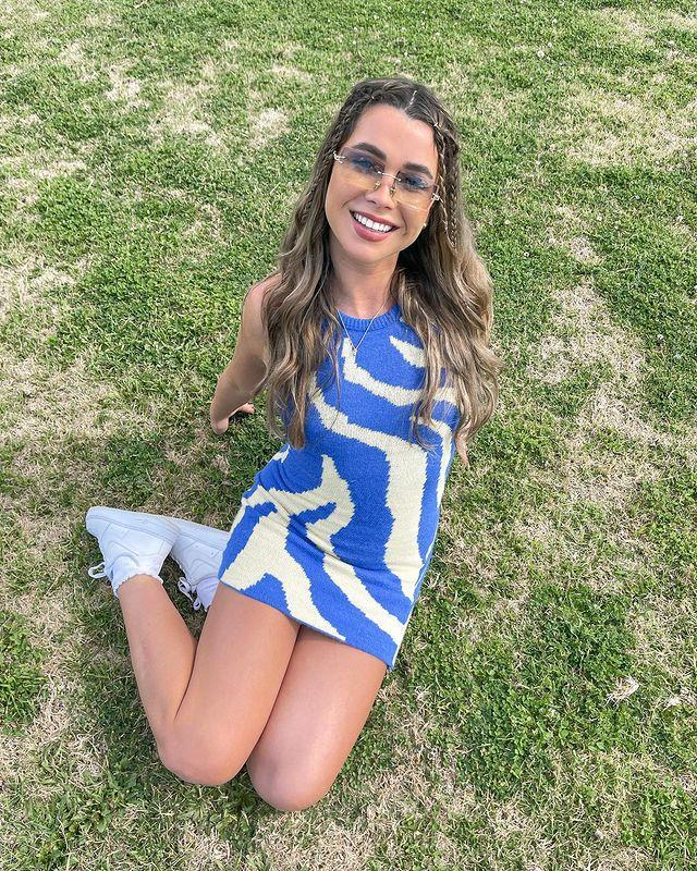 """**Courtney Stubbs, 23** <br><br> Queenslander Courtney is a nurse-in-training and a people person through and through. She's super confident and ready to meet her match in the villa.   <br><br> Follow her on Instagram [here](https://www.instagram.com/_courtneystubbs/?hl=en