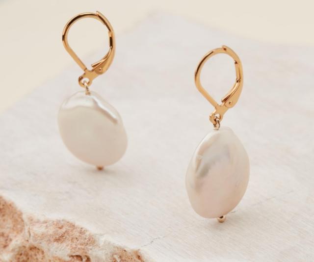 "**Reliquia Jewellery Mini Keshi Pearl Earrings, usually $179, [shop here](https://www.theiconic.com.au/mini-keshi-pearl-earrings-672336.html target=""_blank"")**"