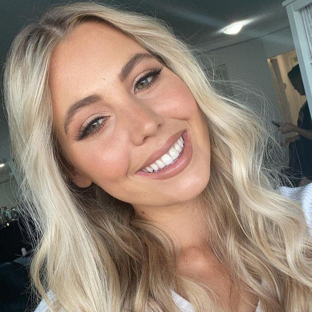 """**Lexy Thornberry, 20** <br><br> Lexy is a student and bartender with her sights set on finding her match in the villa. With past experience in modelling and having been a former champion athlete, she's undoubtedly a woman of many talents.  <br><br> Follow her on Instagram [here](https://www.instagram.com/lexythornberry/