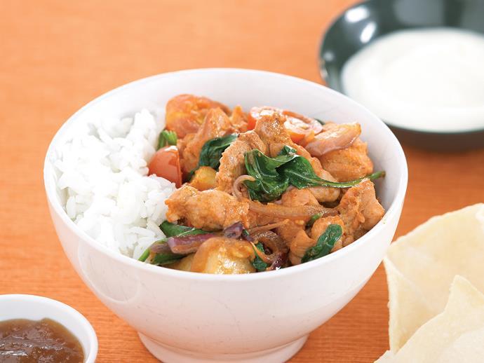 "**[Tandoori chicken spinach stir-fry](https://www.womensweeklyfood.com.au/recipes/tandoori-chicken-spinach-stir-fry-22540|target=""_blank"")**"