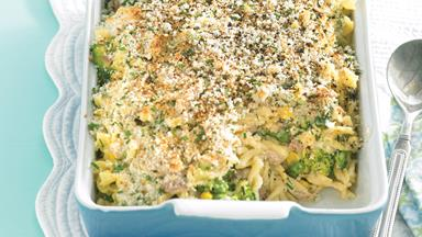 Tuna mornay bake