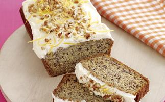 One-mix cakes - Pecan Banana loaf