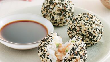 Salmon sushi balls