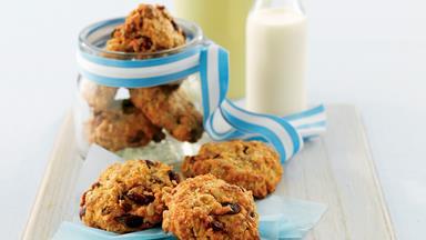 Crunchy oat cookies