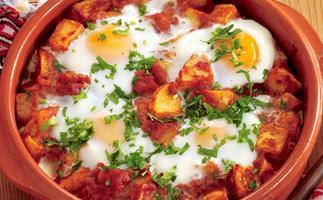 Spanish bites - Potato and egg Bravas