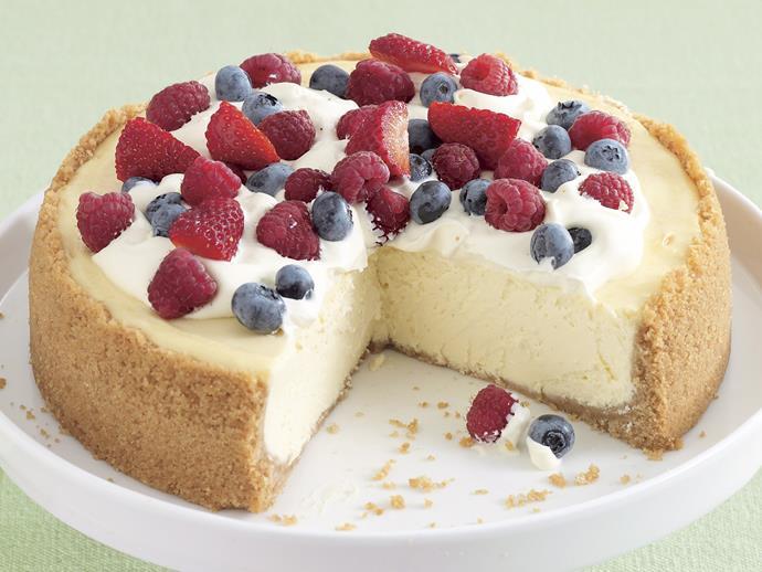 "[Baked lemon cheesecake](http://www.foodtolove.com.au/recipes/baked-lemon-cheesecake-3728|target=""_blank"")"