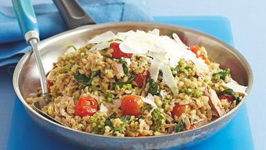Tomato, pesto and tuna rice