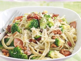Broccoli and bacon pasta