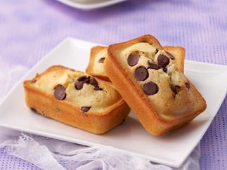Almond, macadamia and chocolate friands