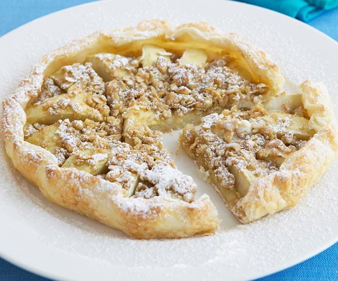 Apple crumble galette