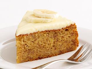 banan cake with cream frosting