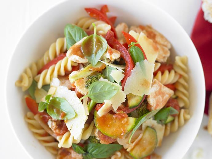 "**[Chicken and vegetable pasta](https://www.womensweeklyfood.com.au/recipes/chicken-and-vegetable-pasta-20006 target=""_blank"")**"