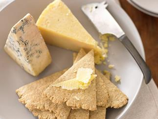 Scottish Oat Biscuits with Cheese