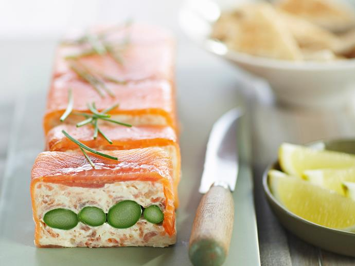 "**[Smoked salmon and asparagus terrine](https://www.womensweeklyfood.com.au/recipes/smoked-salmon-and-asparagus-terrine-25597|target=""_blank"")**"