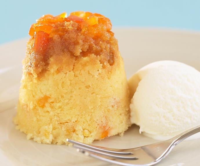 Steamed apricot puddings