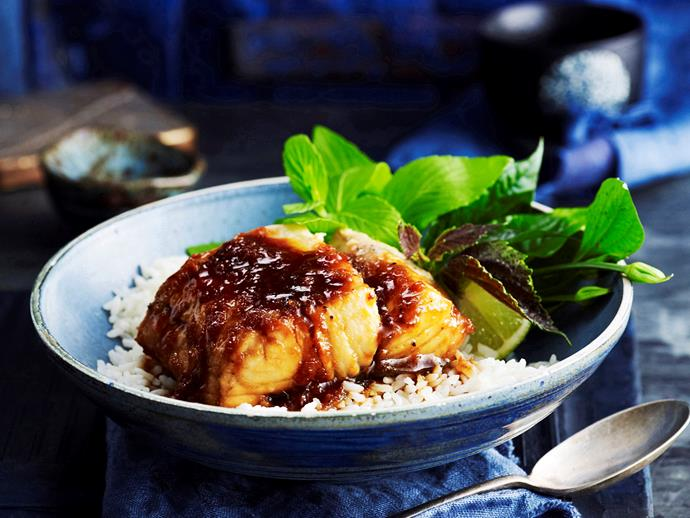 "[Claypot fish](https://www.womensweeklyfood.com.au/recipes/claypot-fish-27097|target=""_blank"")"