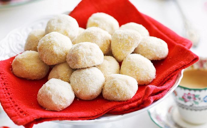 Nutty shortbread balls
