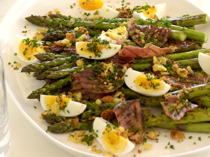 "**[Grilled asparagus, ham, eggs and garlic platter](https://www.womensweeklyfood.com.au/recipes/aparagus-with-ham-eggs-and-garlic-crumbs-28013|target=""_blank"")**  Indulge in a gourmet weekend breakfast complete with crispy ham, garlic bread crumbs and perfectly cooked eggs."