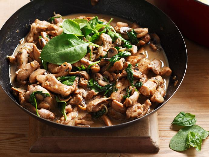 "**[Buttermilk mushroom chicken](https://www.womensweeklyfood.com.au/recipes/buttermilk-mushroom-chicken-27142|target=""_blank"")**  You only need 30 minutes to make this creamy, juicy mushroom and chicken dinner delight and you don't need to worry about washing up - everyone will be licking their plates clean!"