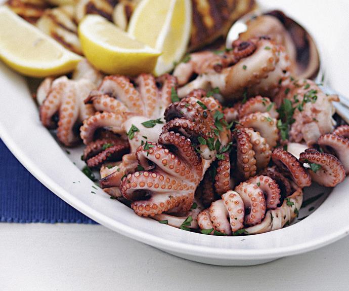 Char-grilled octopus (octapothi sta karvouna)
