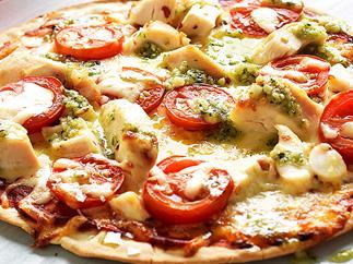 Chilli chicken pizza with pesto
