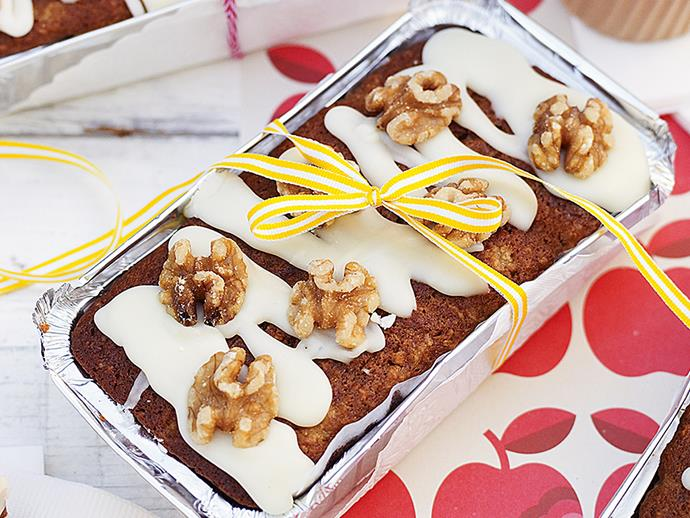 "**[Hummingbird cakes](https://www.womensweeklyfood.com.au/recipes/hummingbird-cakes-23884|target=""_blank"")**"